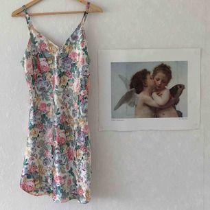Söt 90-tals klänning! 🔥 40kr frakt