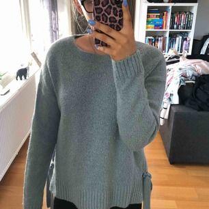 Fin stickad tröja från hm. Betalning sker via swish, köparen står för fraktkostnaden eventuellt om vi möts upp i Lund.