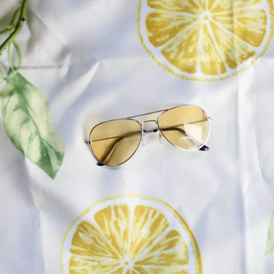 ✨Coola gula solglasögon i 🍋 30kr +36kr  frakt 🍋 Kolla gärna mina övriga annonser jag samfraktar gärna ✨. Accessoarer.