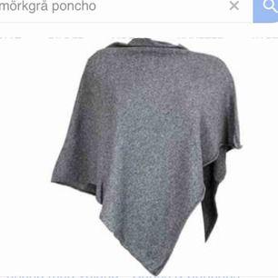 Helt oanvänd poncho som kostade 300kr från Cubus Säljes pga flytt