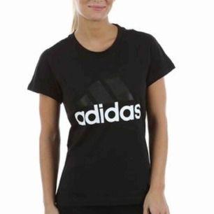 Adidas Tshirt till Dam som köptes för 300kr säljes nu pga fel storlek. Aldrig använd
