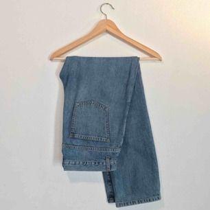 """Jeans fr RODEBJER modell """"Lead Sister Denim"""" stlrk 28. Nypris ca 1600kr"""