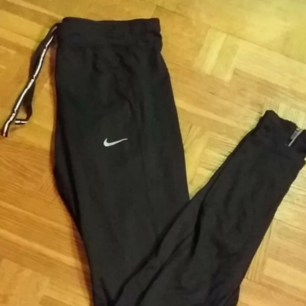 Nike Dri-Fit leggings i nyskick. Stl S.