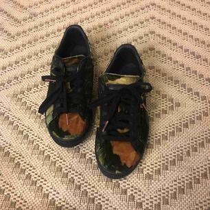 Puma sneakers, sammarbeta med House of Hackney. Nyskick