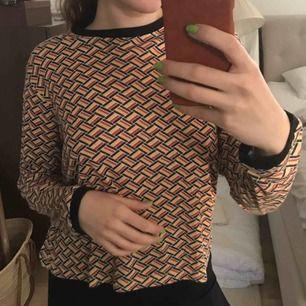 Tunn, mjuk tröja från Urban outfitters