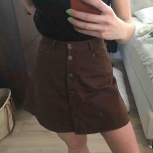 Jeanskjol från monki, knappt använd pga fel storlek