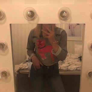 Skit ball tröja från zara Larssons kolektion med h&m! Kund står för frakten. Skriv för fler bilder!💋