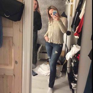 Raka jeans från Hollister i perfekt skick! Knappt använda! Passar en XS! Köparen står för frakt!😁