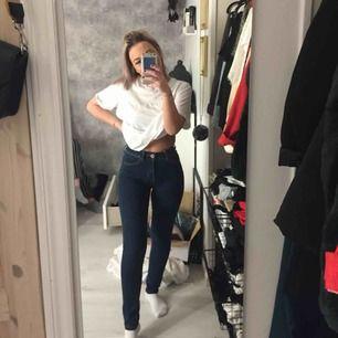 Jättesköna och stretchiga jeans! Knappt använda! Köparen står för frakt