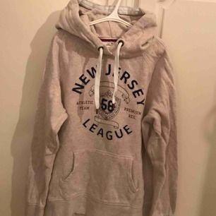 New Jersey tröja från HM, mysig och bekväm😴