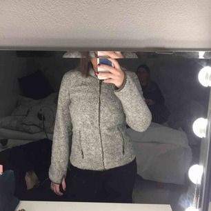Den perfekta fleece-tröjan! Köparen står för frakt
