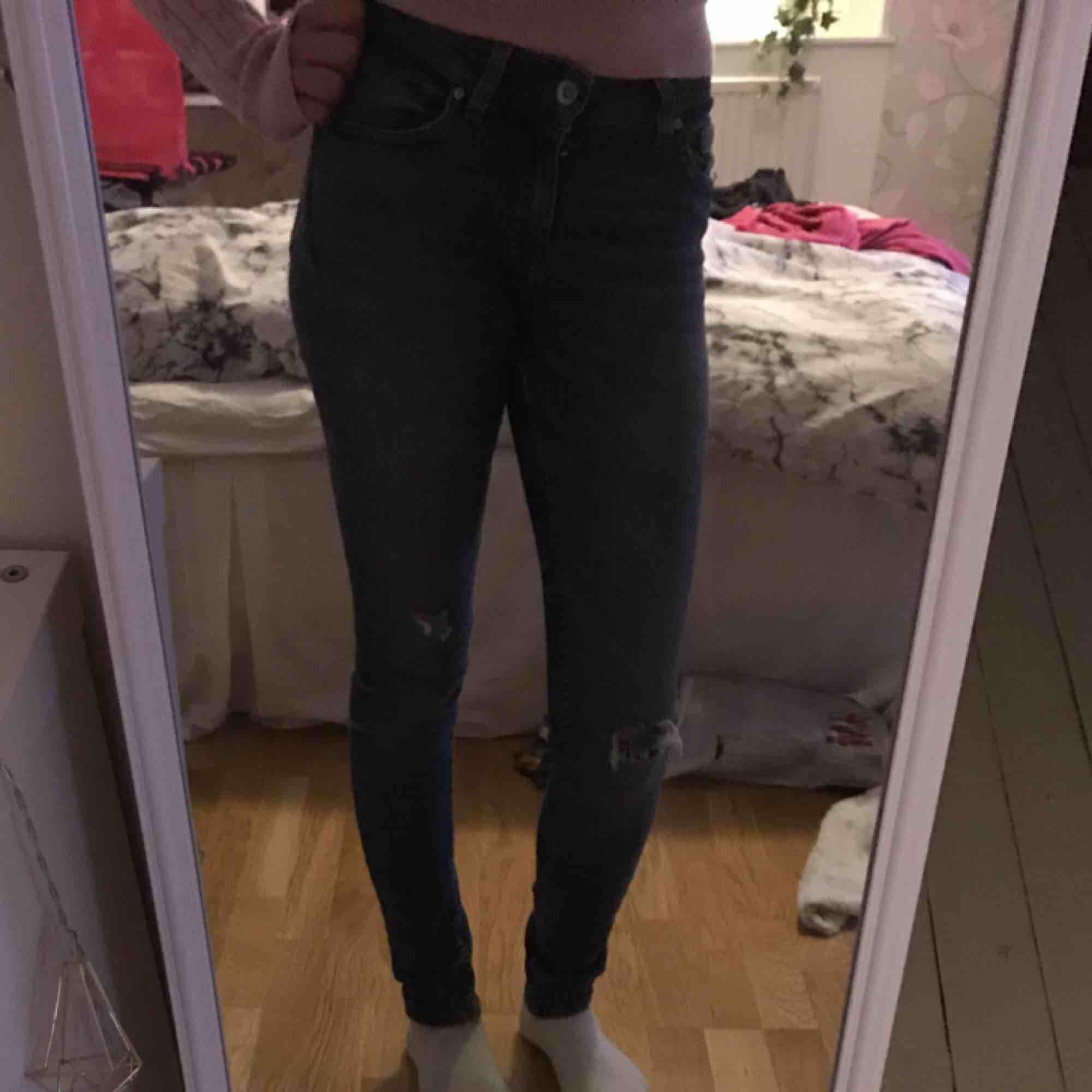 Tiger of sweden jeans, hämtas i Kumla eller frakt men då står köparen för frakten.. Jeans & Byxor.