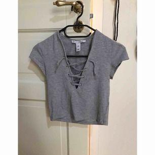 Croppade tröjor från Nelly 60:- ink frakt 🌸 Båda för 100:- ink frakten 🦋