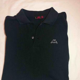 Jätte fin svart pike tröja från kappa!