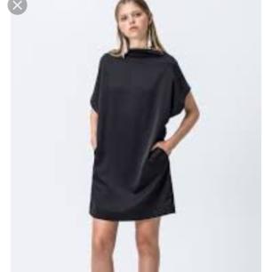 Oanvänd klänning från Cheap Monday. Köparen står för frakt 🙂