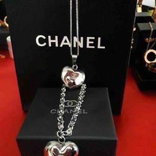 Helt ny Chanel set armband och halsband i rostfritt stål och hypoallergenic.