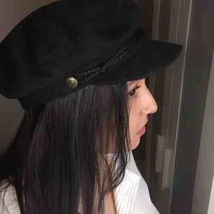 """Brixton """"fiddler"""" hat. Fisherman/bakerboy cap. Hatt i mycket fint skick från Brixton. Nypris ca 500kr."""