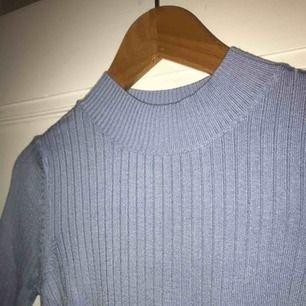 Ljusblå ribbad tröja från Top Shop! Superskön och stretchig🌸 Frakten ingår