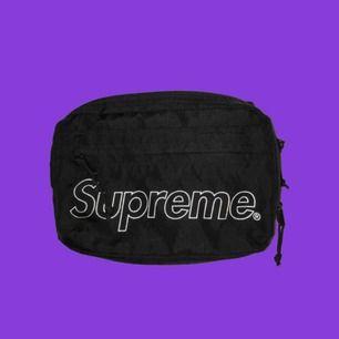 Supreme shoulderbag (FW18) skick:8/10 800kr