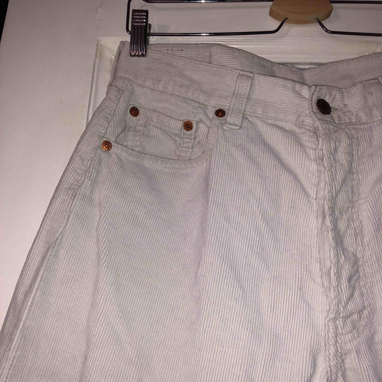 Super snygga Levis manchesterbyxor - Levi s Jeans   Byxor - Second Hand 9b5bbb46c641e