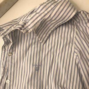 Randning Gant skjorta i bra skick.