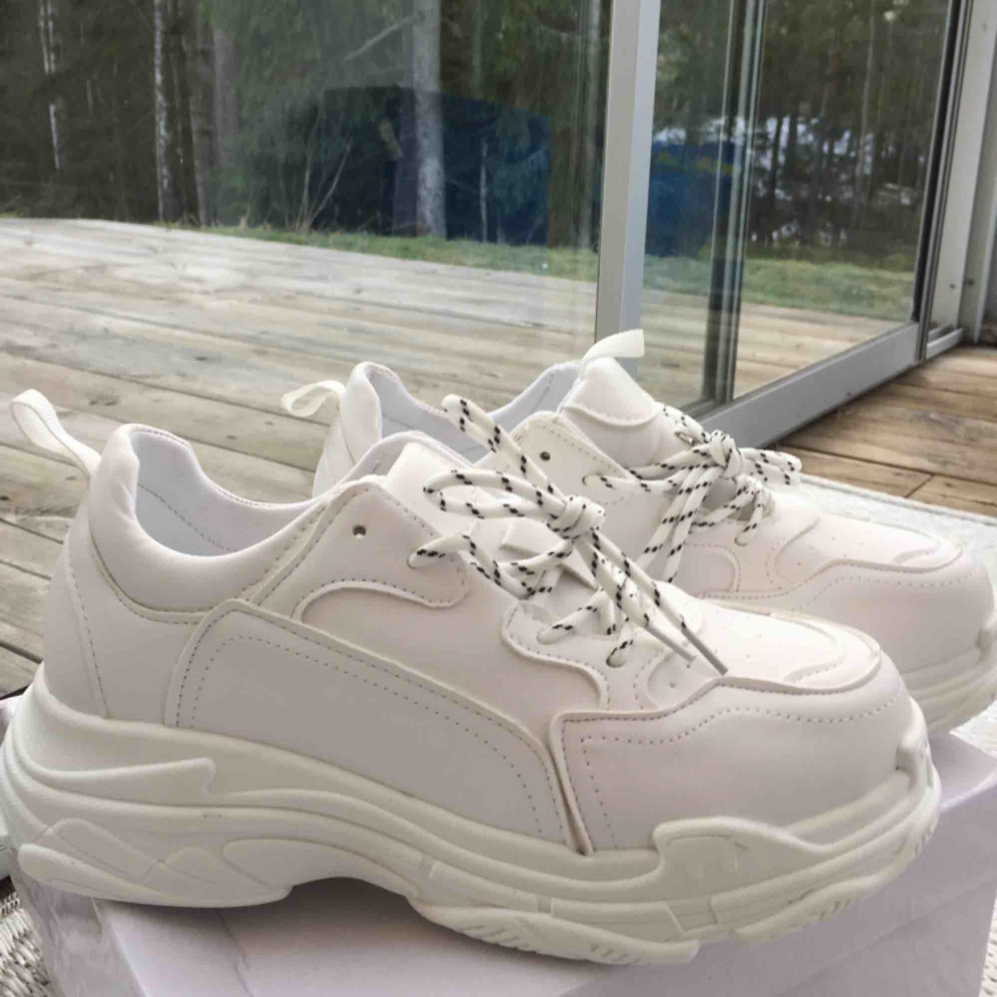 1a8be4ffbf2 Nya helt oanvända Chunky sneakers, står storlek 40 på skorna men passar ej  mig som