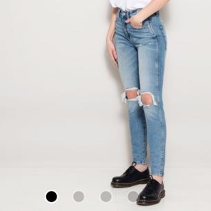 Snygga nya oanvända jeans från lager 157 i modellen high Orginalpris 300kr 🌺