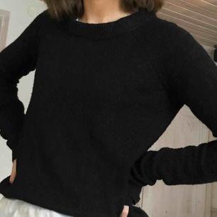 Svart fin stickad tröja från Cubus, bra skick