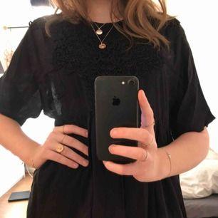 Söt svart klänning från Ganni🥰