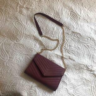 Superfin liten handväska, absolut inga fel eller skador på den alls