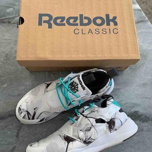 Skor från REEBOK