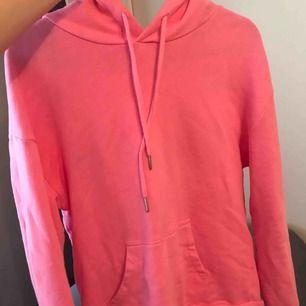 Säljer en fin rosa hoodie från Cubus, nästan oanvänd