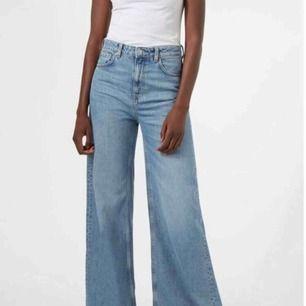 Weekday Ace jeans, använda men i gott skick.