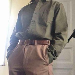 Fri frakt! Fin grön skjorta från Dickies i storlek Small. Sparsamt använd.