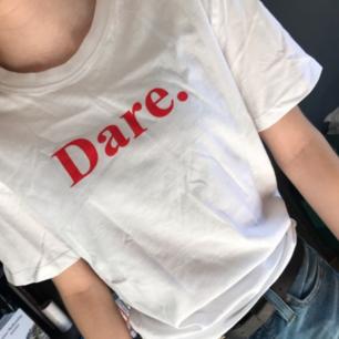 Ny tshirt från lager 157 med texten