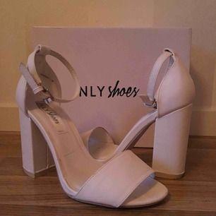 Klackar från Nellys egna märke NLYshoes   Använda vid 2 tillfällen så i fint skick   Klackhöjd 10cm   Priset är 150kr inklusive frakt på 90kr, skickas i tillhörande kartong