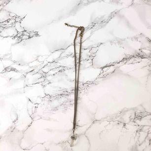 Ett kristall halsband från Cubus. Frakt förekommer. (Kan mötas upp)