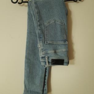 Blå Jeans från Bikbok xs  Betalning via swish. Köparen står för frakt.