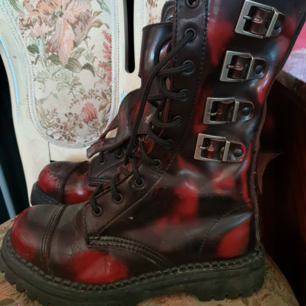 'DEMONIA' skor  NY pris  2999 kr Äkta läder Frakt tillkommer