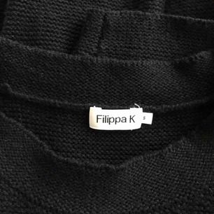 Stickad tröja från Filippa K i nyskick.