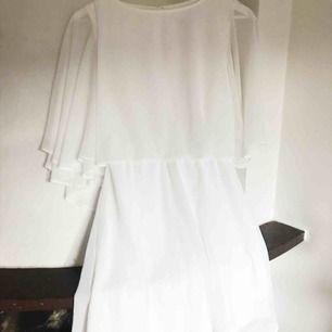 Fin klänning ifrån ASOS. Använd en gång och i nyskick fortfarande! Perfekt till tex student