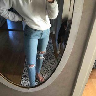 Ett par supersnygga blåa jeans!🌟