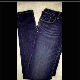 Ett par jeans från Kidsbrandstore. Fick jeansen i julklapp för ca 2 år sedan, och använt dom endast 1 gång sedan jag fick dom. Ny pris är ca 700 kr. Priset kan gå ner vid snabb affär. ‼️ Jag möts helst upp (Sthlm) men annars står köpare för frakt‼️