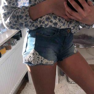 Jättefina shorts använda en sommar. Möts upp i Sthlm stad elr Nacka men fraktar oxå (då tillkommer frakt)