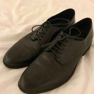 Vagabond Frances svarta läder skor  strl 40 Knappt använda (kommer rengöras noga innan utlämning)