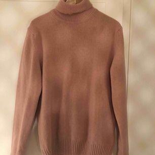 Stickade oanvända stickade tröjor  Storlek 36/38 eller S-M
