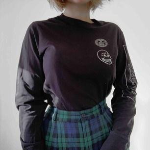 En svinball Cheap Monday tröja! Materialet är super bekvämt 💀 Frakt tillkommer!
