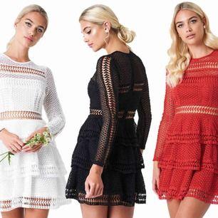 SÖKER denna klänning från Linn Ahlborgs kollektion med NAKD i stl 38 eller  40. Svart ac3ef88a68946