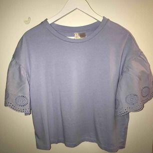 Tröja från H&M. Aldrig använd! Säljes pga ej användning, köpere står för frakt.