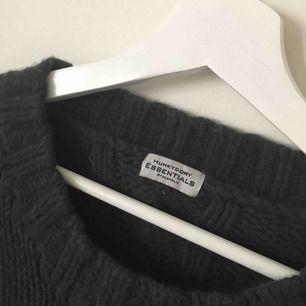 en kabelstickad tröja från HUNKYDORY köparen står för frakten